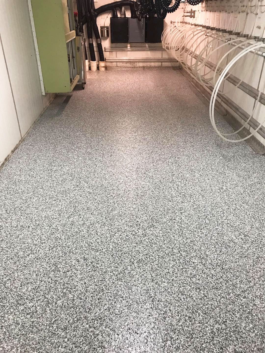 gallery-01-after-epoxy-flooring-stripproof-industries-byron-bay-the-rails